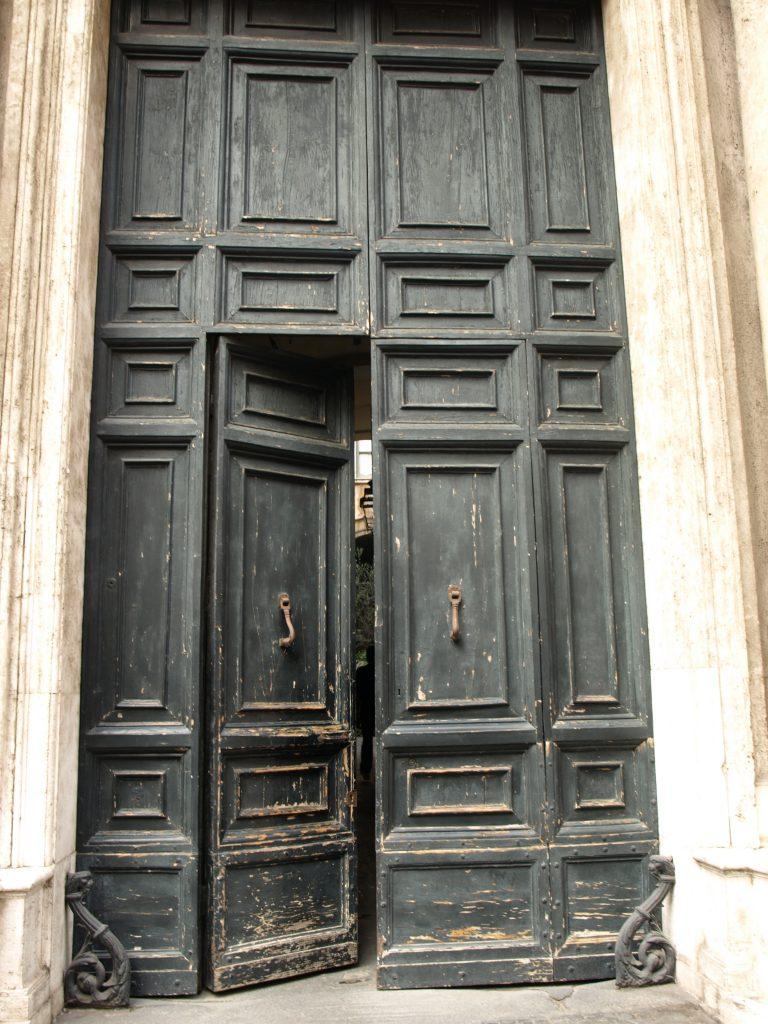 Palazzo Lancellotti ai Coronari, the main entrance