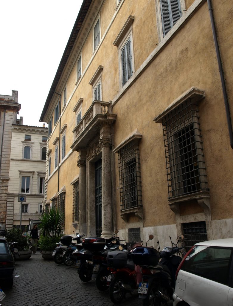 Palazzo Lancellotti ai Coronari, exterior